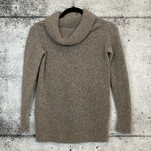 Aritzia // Wilfred Free // Soft Turtleneck Sweater